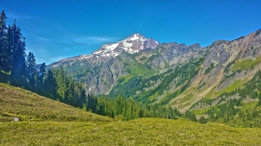 Approaching Glacier Peak and the Wilderness