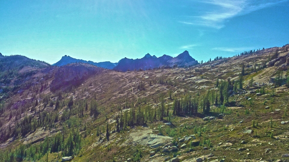 Looking back at Cutthroat pass and the PCT in Washington