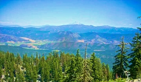 Looking back at Shasta. Since Shasta, we are no longer in the Sierra Range but rather the Cascade Range.