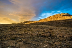 Sunrise radiating over the rim of the Berg. In the highlands of Lesotho.