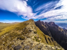 The rim of the High Drakensberg from the perspective of the rim! To the right, South Africa. To the left Lesotho.
